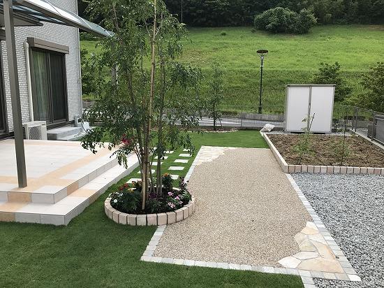 ガーデンプロ関西 丁寧な仕事をしています。