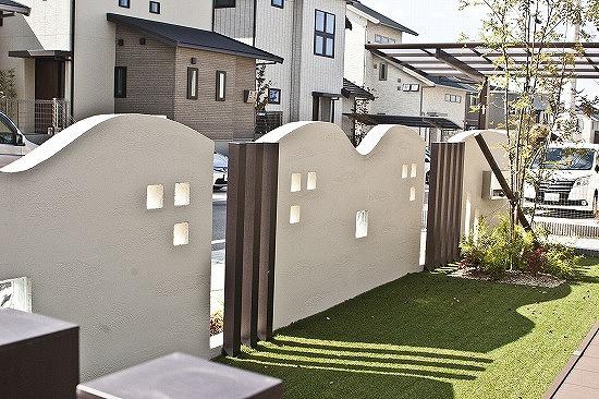 木津川市にて人工芝工事です。