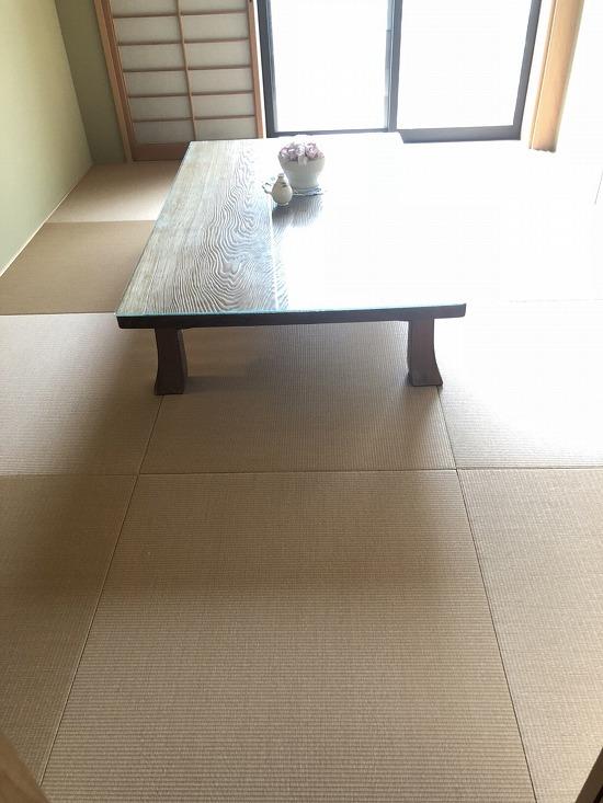 和室にはへりのない琉球畳を使用しました。